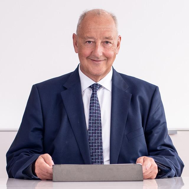 Die APP Steuerberatung GmbH stellt vor: Mag Dr. Günther Pöschl - Wirtschaftsprüfer, Steuerberater, Geschäftsführer